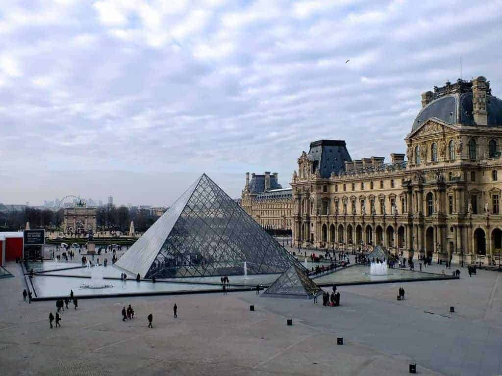 cruise the main sites and get personal with paris skip tourist